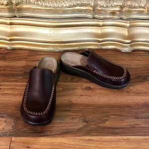 ALDO Great Condition Brown Leather Clogs